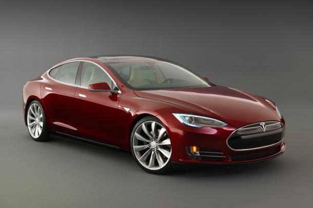 Teslan täyssähköautojen toimintasäde on jopa 480 km.